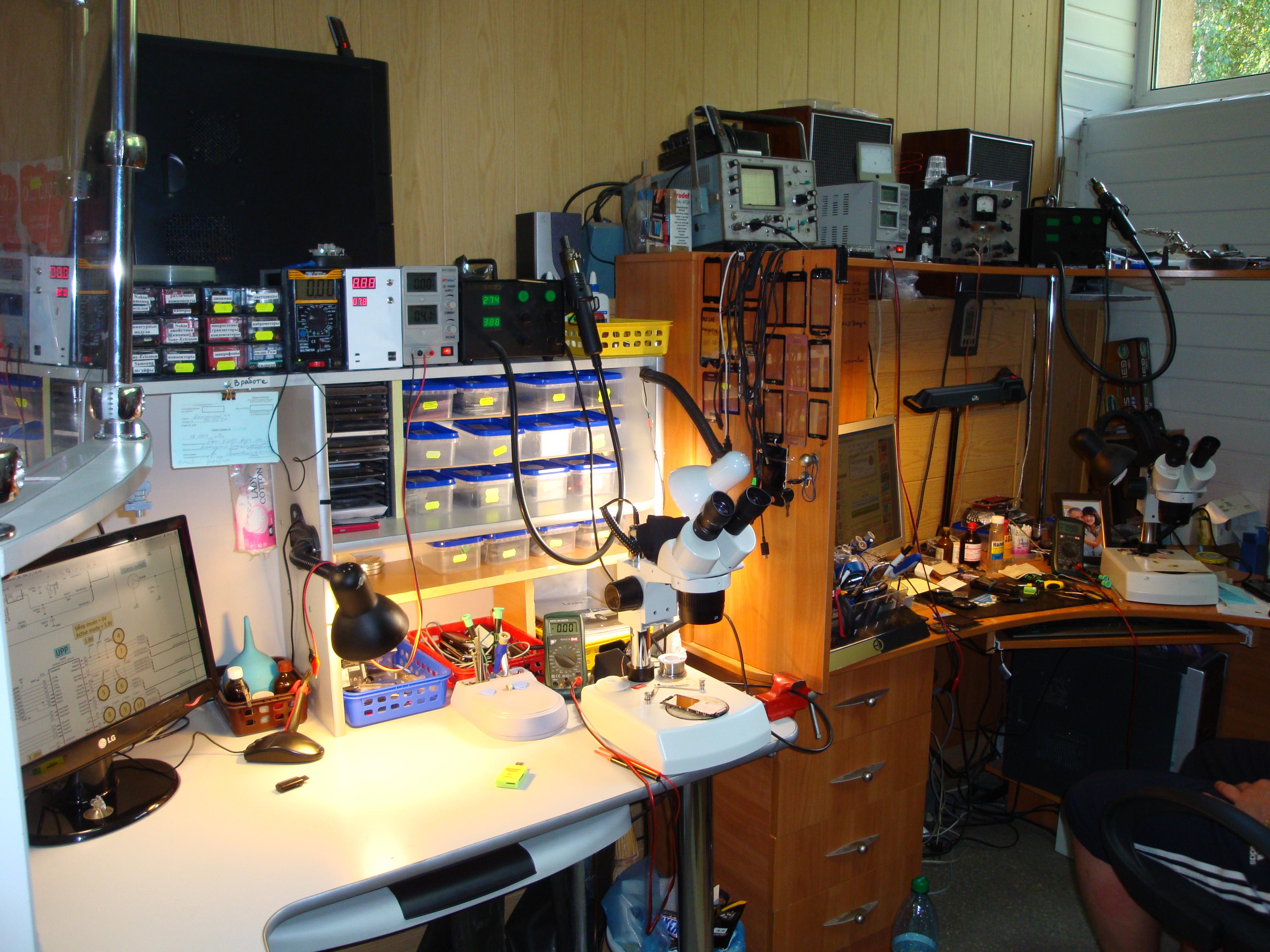 f2a42d8f58f2b Если в мастерской стоит оборудование то вы пришли по назначению иначе ремонт  затянется. Черкассы ремонт мобильных телефонов