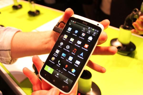 Замена сенсора на HTC One X+ (S728E)