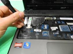 ремонт левой петли ноутбука Черкассы